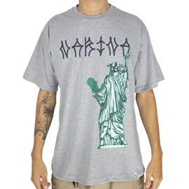 Camiseta Narina estatua Skate Cinza