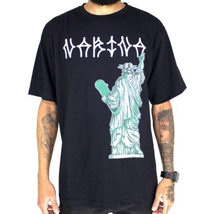 Camiseta Narina estatua Skate Preta