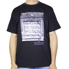 Camiseta Narina Portão Preta